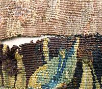Détail avant restauration conservation de tapisserie : « La mise à mort du cerf »