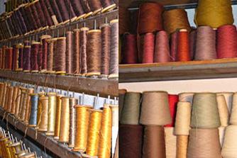 Bobines de fils de soie et fils de laine utilisées pour la restauration de tapis, tapisseries et textiles délicats
