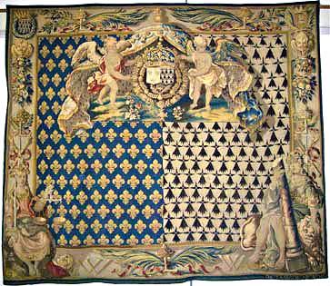 Restauration d'une tapisserie : Chancellerie aux armes du roi de France et de Bretagne. Aubusson XVIIe siècle. Musée de Vannes.