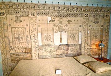 Conservation de tentures et rideaux brodés de la Villa Kérylos