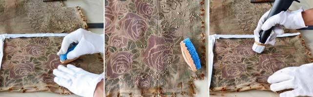 Ancien atelier de Paul Follot-Institut Giacometti : Un gommage avec une éponge spéciale, délicatement frottée sur toute la surface du panneau, a permis de retirer les dépôts adhérents sur la tenture murale du salon, panneau textile avec impression au pochoir de cyprès aux feuilles d'or.